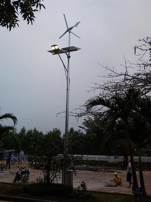 Lắp đặt hệ thống Turbin gió 600A và pin năng lượng mặt trời cho MICCO - Tân Thành - BRVT